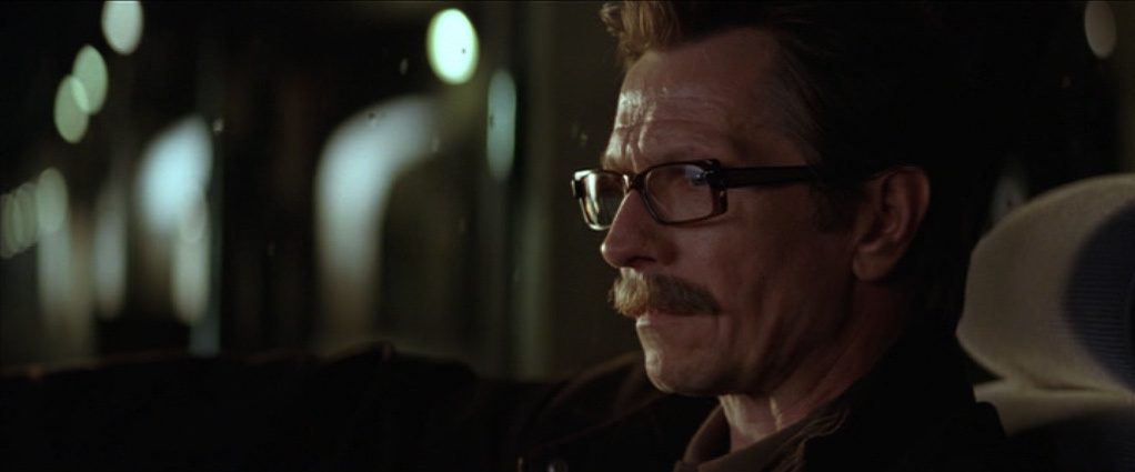 Batman-Begins-Jim-Gordon-Screeencaps-jim-gordon-12807870-1022-425