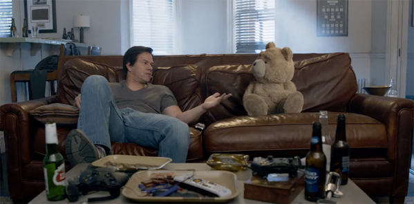 ted2-wahlberg-ted-couch-full